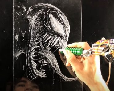 Venom Drawing On the Glass plate