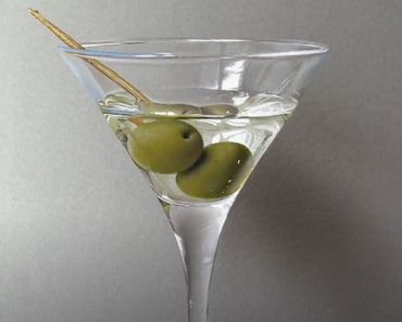 How to draw a Martini Glass - 3D Drawing Tutorial