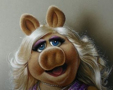 Miss Piggy Drawing with Pencil - How to Draw 3D Art