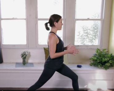 Yoga For Complete Beginners - Home Yoga Workout - Learn yoga at Home